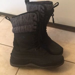 North Face women's winter boots size 9